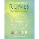 The Nordic Book of Runes - Jonathan Dee